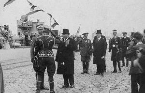 Kronprins Gustav Adolf i Tallinns hamn. Foto: Estlands Riksarkivet.