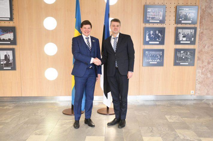 Riigipäeva esimehe kohtumine välisminister Urmas Reinsaluga. Foto: välisministeerium.